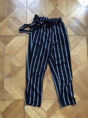 H&M Paperbag Trousers black-white
