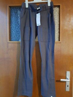 weite Stoffhose mit Taschen und Knöpfen NEU mit Etikett Gr. 36