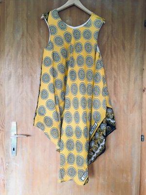 Weites Kleid mit Muster