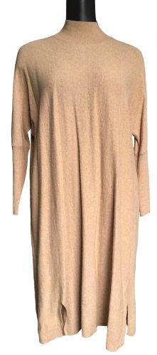 Weites Wollkleid mit Stehkragen