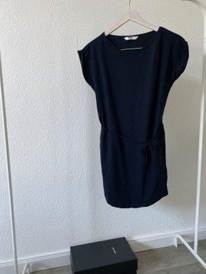 Wemoto Kleid