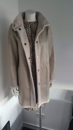 Marc Cain Manteau de fourrure gris clair-beige clair cuir