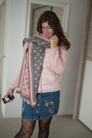Bufanda de punto gris-rosa claro