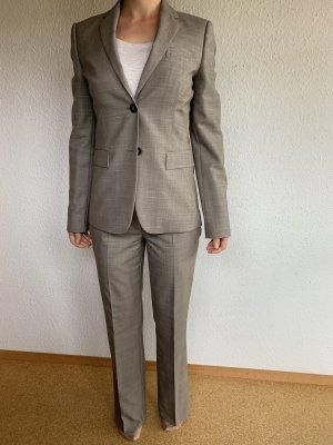 Wenig getragenen Hugo Boss Hosenanzug