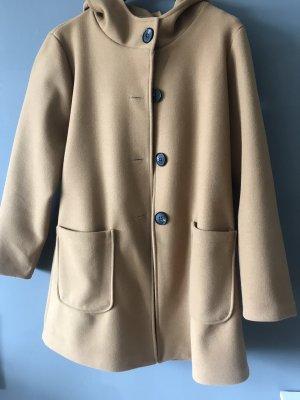 Wertiger Mantel mit Kapuze