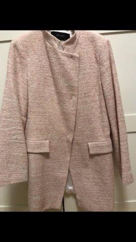 Wertiger Mantel von Zara