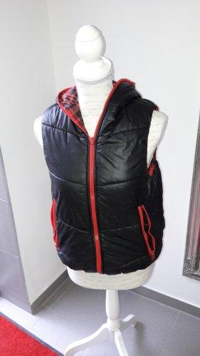 Chaleco con capucha negro-rojo