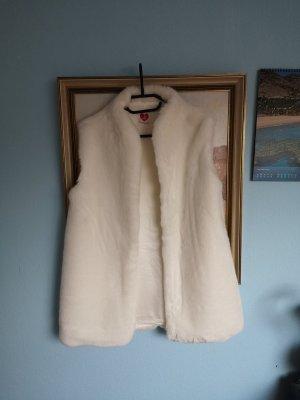 Ole Fur vest white