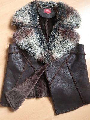 Outfit Fashion Vest van imitatiebont zwart bruin-roodbruin Polyester