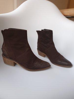 Stivaletto western marrone