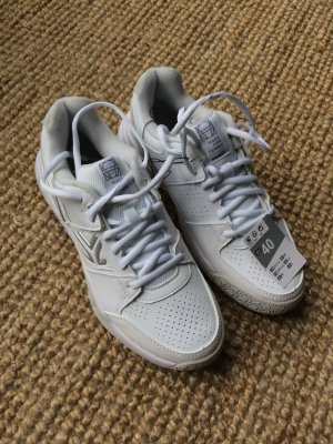 White Sneakers - new, with tag