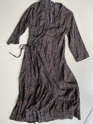 Wickel Kleid
