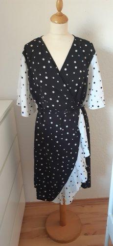 Kopertowa sukienka biały-czarny
