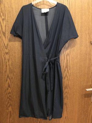 Just Female Robe portefeuille bleu foncé
