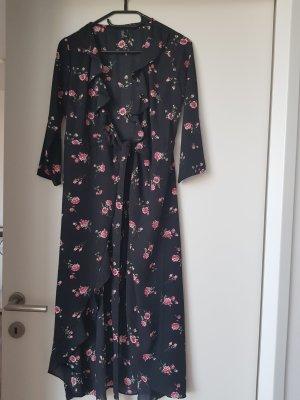 Wickelkleid mit V-Ausschnitt