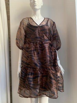 Wraparound brown-black polyester