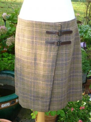 Orwell Wraparound Skirt olive green-pink