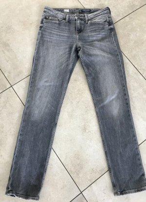 Wie neu! Jeans von Tommy Hilfiger in Größe 27/32 fällt größer aus