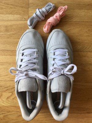 *WIE NEU* REEBOK Classic Leather Sneakers + 2 Paar Schuhbänder GRATIS