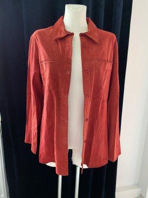 Chemise en cuir rouge foncé
