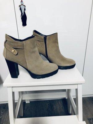 Wildleder Boots in Creme - Größe 40