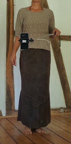 Aust Jupe en cuir brun foncé-blanc cassé daim
