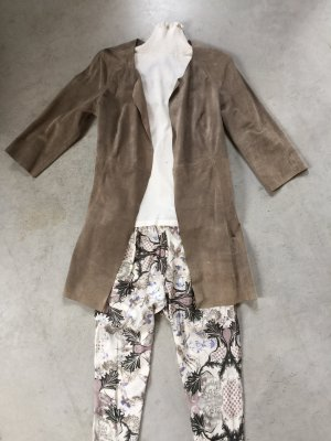 Abrigo de cuero marrón grisáceo
