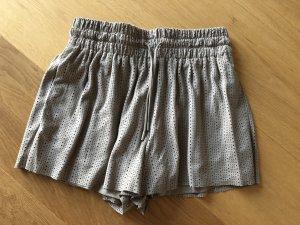 Wildleder Shorts von ZARA