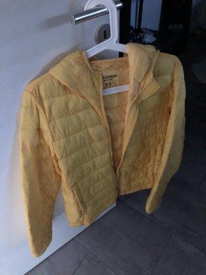 Pull & Bear Giacca a vento giallo