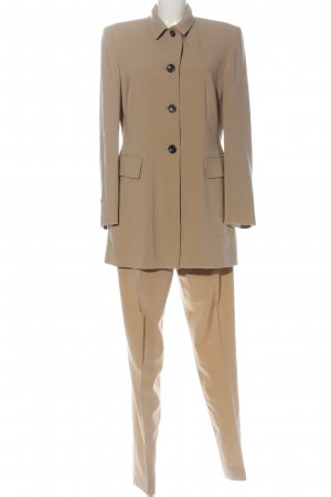 Windsor Trouser Suit cream casual look