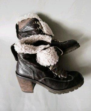 Manas Botas de piel marrón oscuro-crema