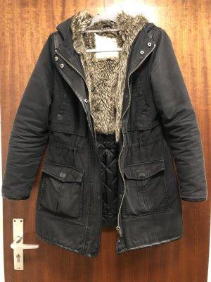 Winter Jacke schwarz mit Kapuze, Gr. 38, manguun