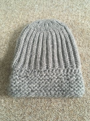 Knitted Hat light grey polyacrylic