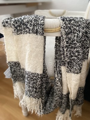 Forever 21 Woolen Scarf white-black