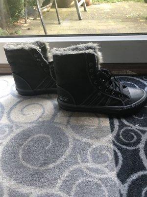 Winter Sneaker mit Kunstfell