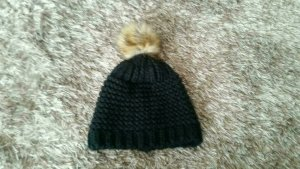 Knitted Hat black-brown