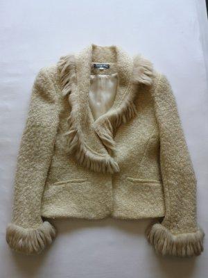 Winter white blazer with für trim