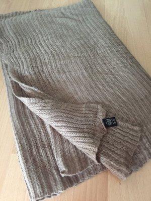 Écharpe en tricot gris brun