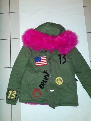 Winterjacke oliv pink warm gefütterte Jacke Patches Kunstfell Kunstpelz Kapuze bunt khaki cozy