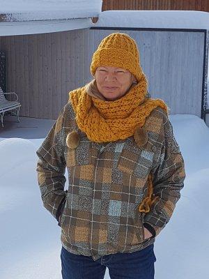Winterjacke / Schneejacke von Billabong mit Mütze und Schal