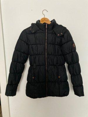 Winterjacke schwarz tailliert