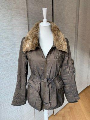 Winterjacke von Milestone mit Fake Fur Kragen, abknöpfbar
