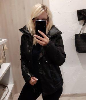 Winterjacke warm schwarz Jacke Silvian Heach