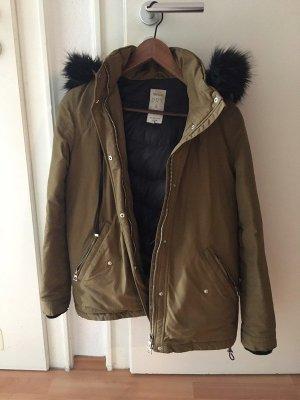 Winterjacke Zara khaki Daunen