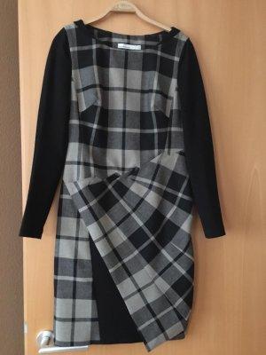 Winterkleid in Karo von Karen Millen