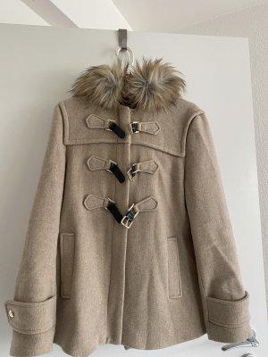 Zara Futrzany płaszcz beżowy-kremowy