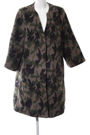 Wintermantel Camouflagemuster Street-Fashion-Look