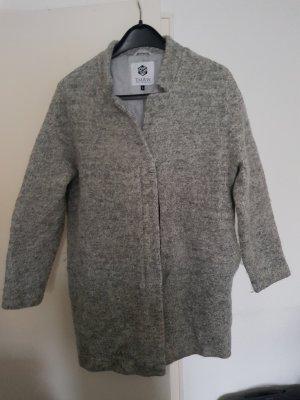 Abrigo de invierno gris claro-gris