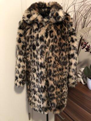 Abrigo de piel crema-marrón oscuro