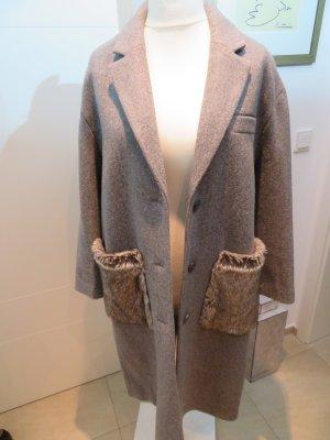 Wintermantel in grau von Zara mit fake fur Besatz